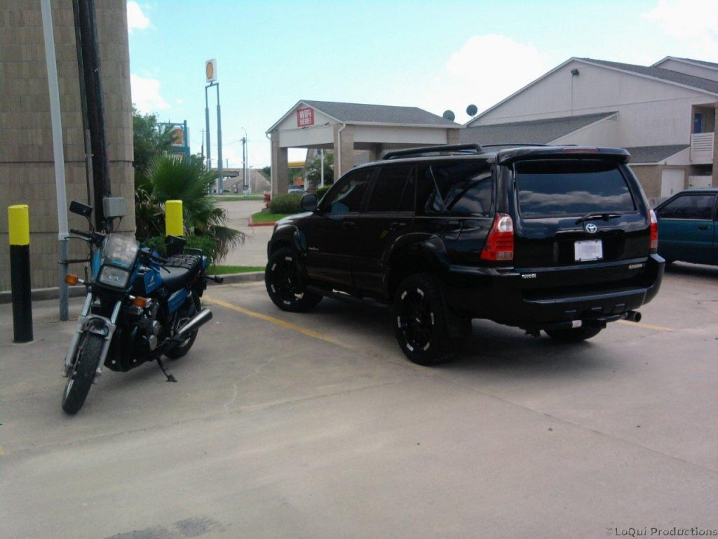 700S and Egg's truck